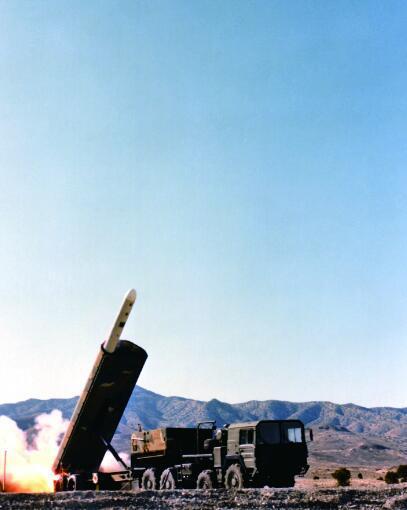 """陆基版本的""""战斧""""导弹"""