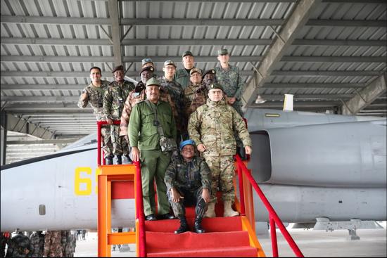 参观杭州某空军部队。倪羽喆摄