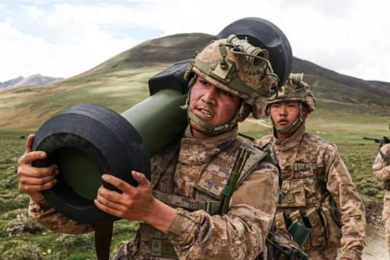 西藏军区红箭12导弹首次曝光 可摧毁任何现役坦克