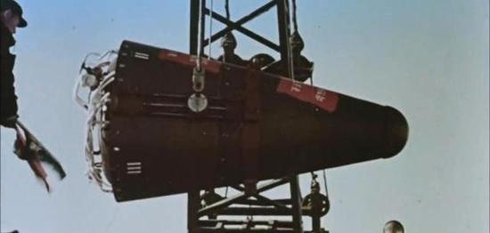 原子弹与弹道导弹对接