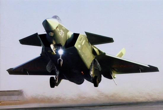 歼20战斗机创造了一个奇迹,间隔三代机仅仅7年时间