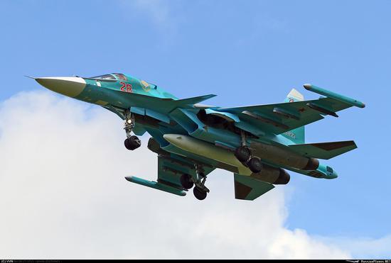 俄军又列装一批苏34 沈飞山寨版或仍是个全尺寸模型