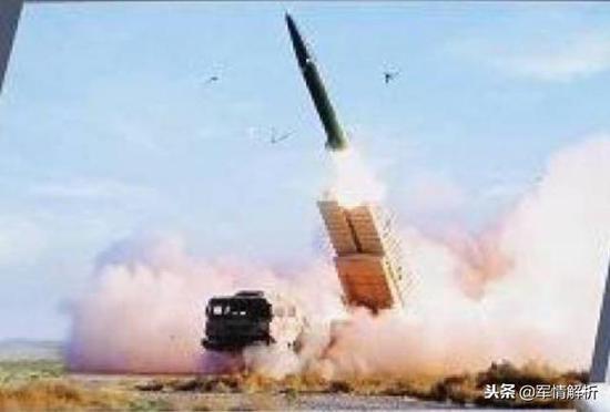 """""""火龙280-A""""火箭正在发射"""