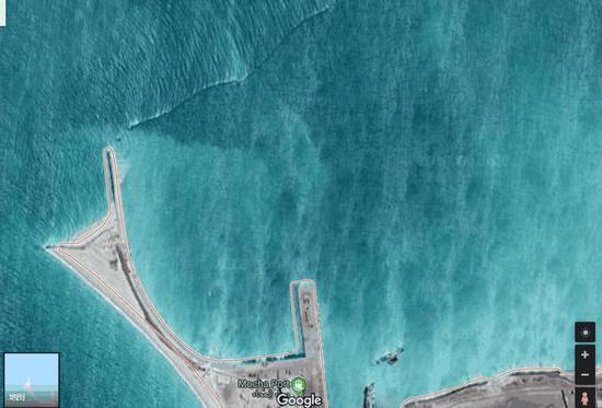 图片:摩卡港,阿联酋海军竖立了围栏