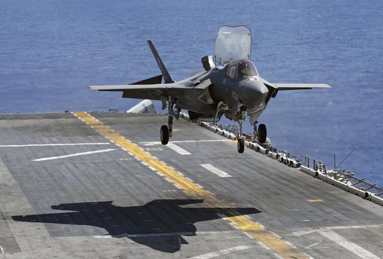 F-35B让两栖舰轻盈变身轻型航母