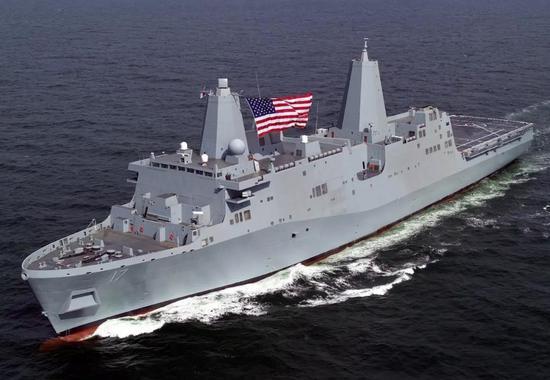 """LPD-17""""圣安东尼奥""""号船坞登陆舰"""