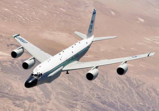 俄媒:美军机冒充民航接近中国领空 极易造成误判