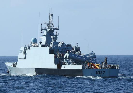 """图为巴基斯坦海军的""""阿兹马特""""导弹艇。"""
