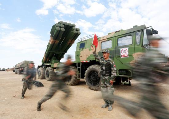 我军03远火师承俄火箭炮 射程却比他们远