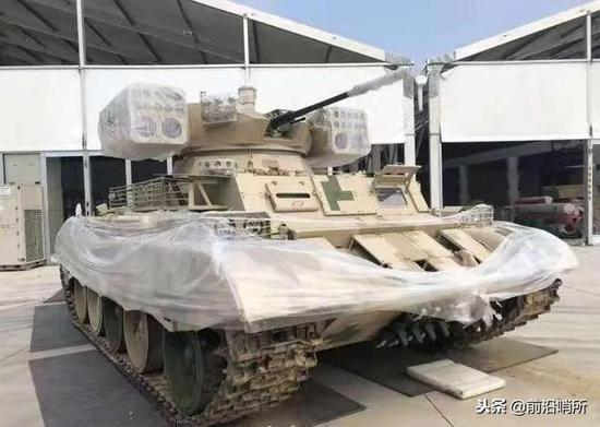 中国曝光的坦克支援车