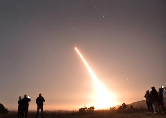 美军服役50年老洲际导弹 抽检发射失败