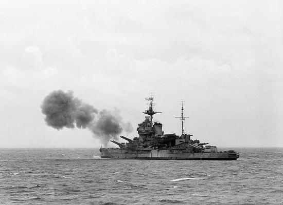 """图3 1944年参与诺曼底战役的""""厌战""""号"""
