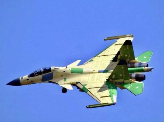 歼-15D电子战机