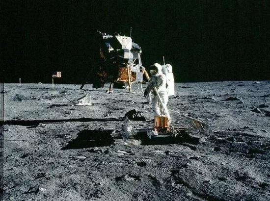 ▲1969年7月20日,阿姆斯特朗登上月球。(新华社)