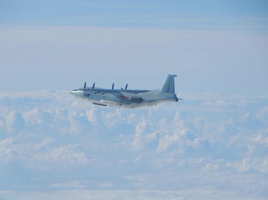 台防务部门:两架大陆军机今日从东沙岛上空掠过