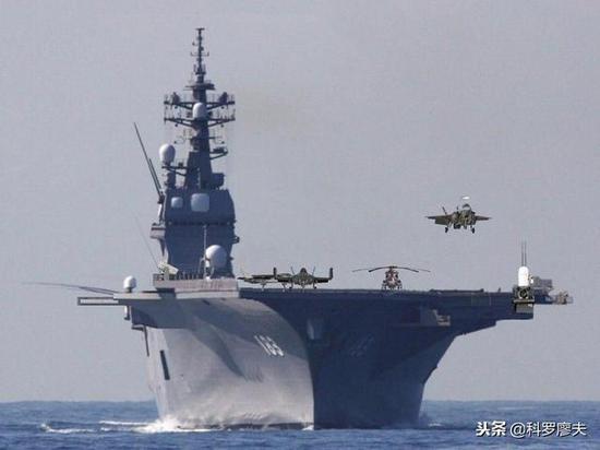 这是出云级直升机护卫舰搭载F35B短距起降战斗机的想象图