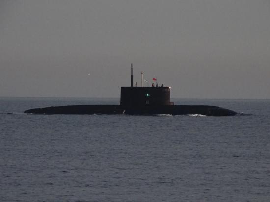 """俄暗海舰队""""顿河畔罗斯托夫""""号潜艇"""