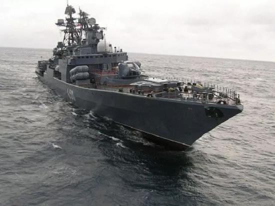 俄舰的吨位与美舰几乎势均力敌