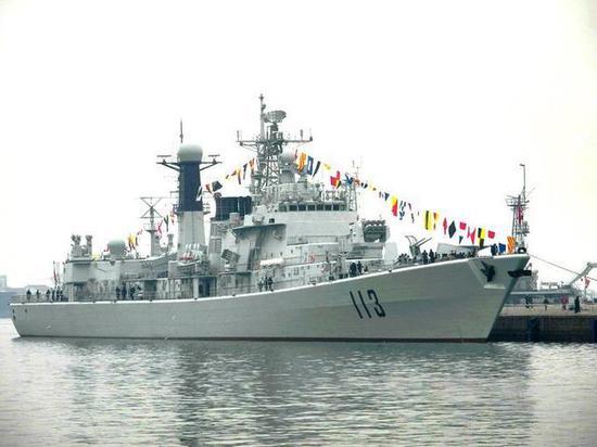 052型驱逐舰青岛号