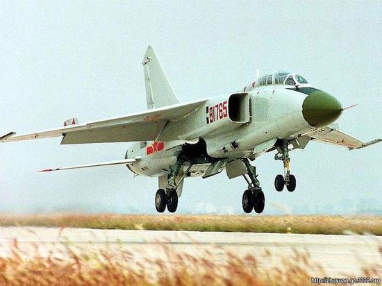 我軍為何仍繼續升級殲轟7 殲16價格昂貴沈飛產能不足