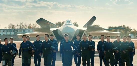 招飞视频公开的18位歼-20飞走员