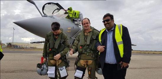 印度首架阵风战斗机已首飞