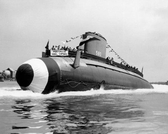 图片:白鱼级常规潜艇