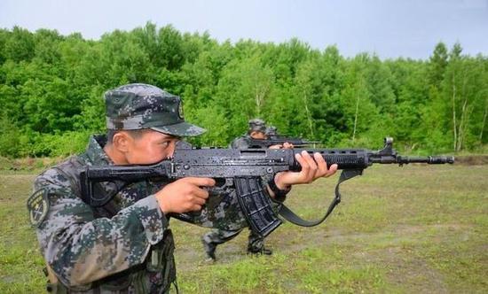 中国03式步枪为何不大量列装部队有一致命缺陷|步枪|中国|解放军_新浪 ...