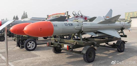 ���#�.#��)yj!���K_巴基斯坦版鹰击62岸舰导弹亮相
