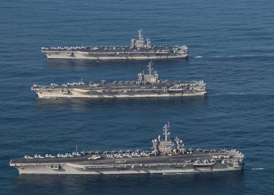 美国的三艘航母
