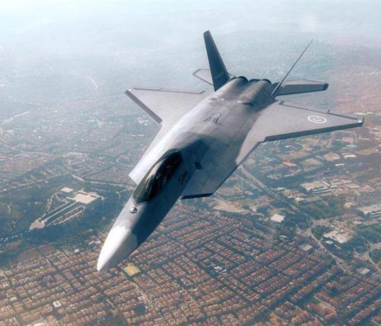 TF-X战机效果图