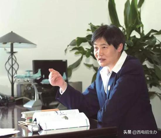 """日本小王子首次出席皇室公务""""最美公主""""全程陪同"""