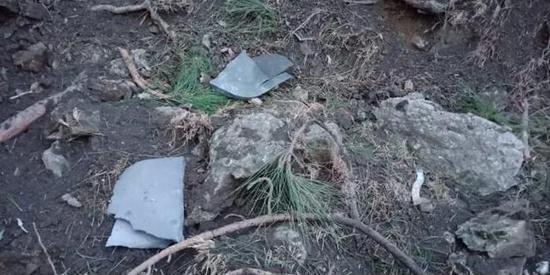 空袭现场炸弹碎片