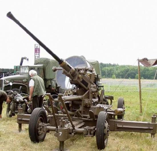 博福斯高炮