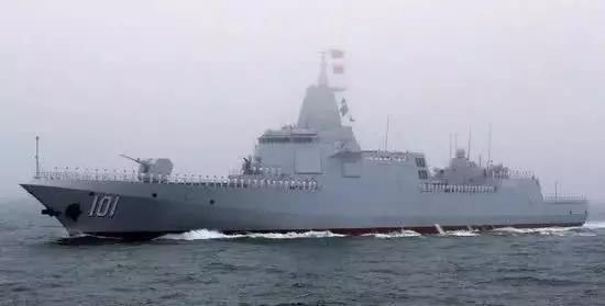 055万吨级驱逐舰是主力护卫舰艇