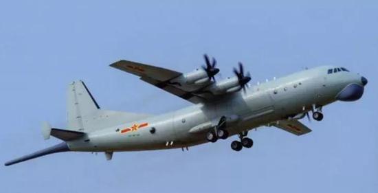 解放军25架军机巡视台海创纪录 5种不同机型各司何职