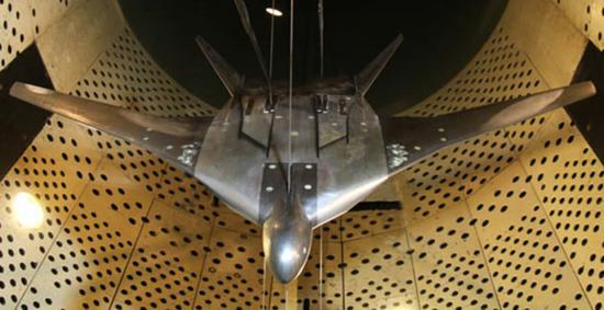 世界最重最大飞翼轰炸机或来自亚太 美B21却越造