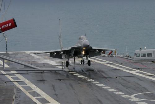 ▲ 多亏了印度的坚持,俄罗斯在不远的将来也能用上自动着舰系统了