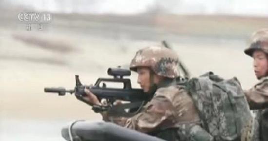95步枪配备可能是国产先进光学瞄准镜