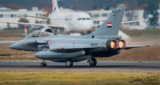 图片:印度已购买36架阵风,图为埃及空军获得的阵风