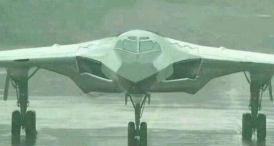 资料图:轰-20战略轰炸机想象图