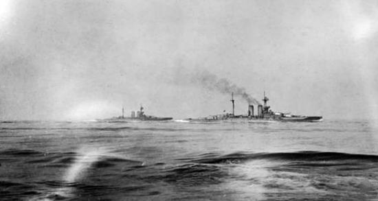 """图1 """"厌战""""号战列舰在日德兰海战中"""