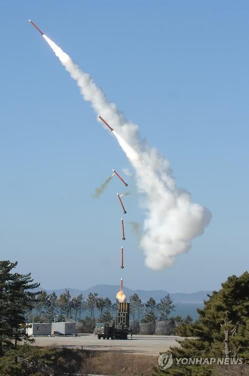 """""""天弓""""导弹发射方式示意图"""
