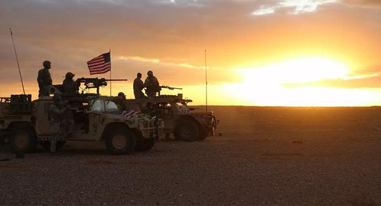 美军回应在叙遭袭:巡逻队屡遭炮击 炮弹落在1公里外