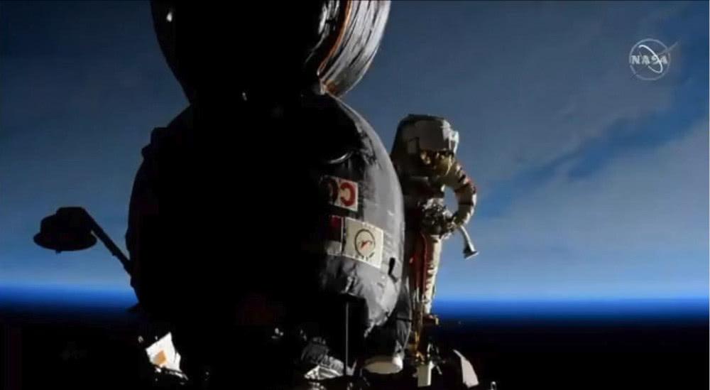 联盟号太空舱并非为太空走走设计,外侧异国扶手