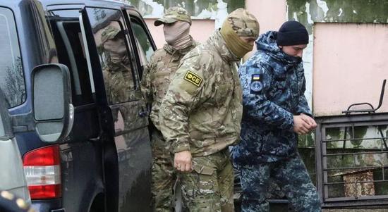 伊拉克特种部队重新控制使馆周边示威者散去