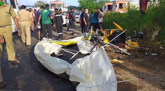 印度海军一滑翔机训练过程中坠毁 2名海军人员死亡