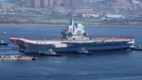 美媒:中国已是一流海军强国 但航母战力很有限