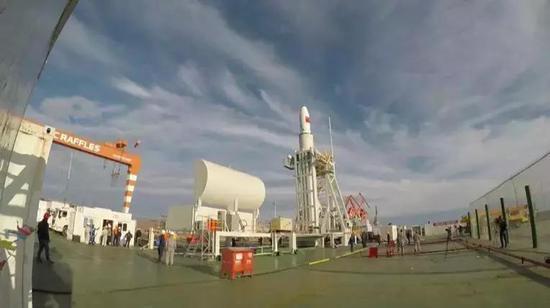 长征十一号海上发射出发前