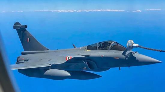 """印度阵风战机还没飞回本土 就在中东遭遇""""战火洗礼"""""""